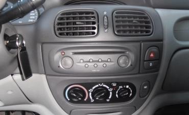 Renault Scenic_4